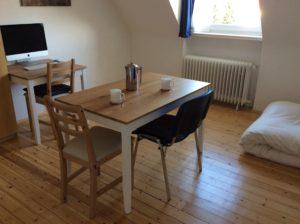 rechteckiger Esstisch für 2 - 4 Personen