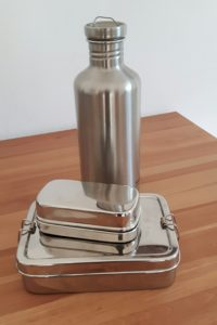 Edelstahlflasche mit 2 Edelstahlbrotbehältern