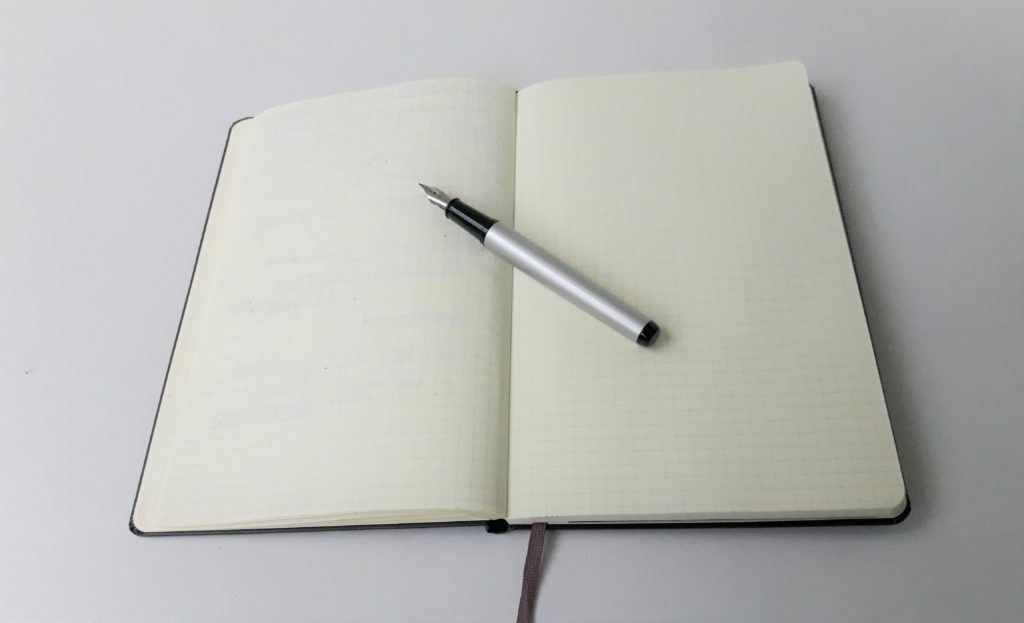 Notizbuch mit Füller