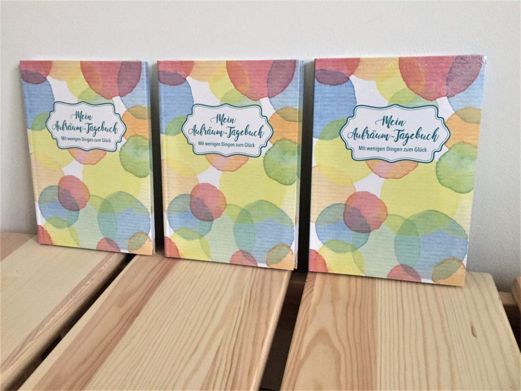 Drei Exemplare von Mein Aufräumtagebuch
