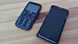 Einfachhandy und Smartphone