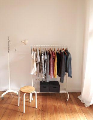 Minimalismus-Kleidung